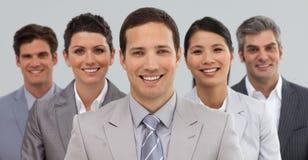 Glückliche Geschäftsgruppe, die Verschiedenartigkeit zeigt Stockfoto
