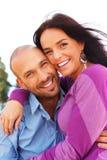 Glückliche lächelnde Paare von mittlerem Alter Stockbild