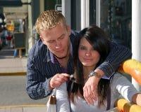 Glückliche Paare auf Ferien Stockbilder