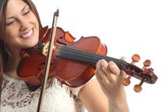 Glücklicher Musiker, der Violine spielt Stockfoto