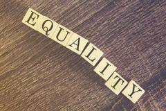 Gleichheitsmitteilungsmitteilung stockbild