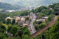 Gleis über A646 bei Todmorden Stockbilder