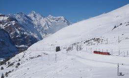 Gleis zu Jungfraujoch, die Schweiz lizenzfreie stockfotografie