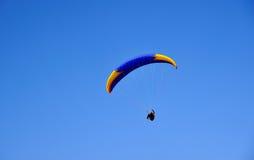 Gleitflug deltaplano Gleitschirmfliegen Stockfoto