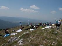 Gleitschirmfliegencross country-Wettbewerb lizenzfreie stockfotografie