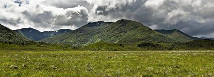 Glen Affric et montagnes - Ecosse Images stock
