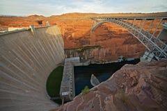 Glen Canyon Dam et pont Photographie stock libre de droits