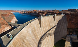 Glen Canyon Dam på Coloradofloden, sida, Arizona, USA arkivfoto