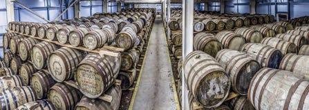 Glenbeg, Ardnamurchan - Schotland - Mei 26 2017: De Ardnamurchandistilleerderij produceert wisky sinds 2014 en eigenlijk Royalty-vrije Stock Foto's