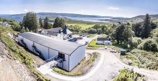 Glenbeg, Ardnamurchan Schotland - 26 Mei 2017: De Ardnamurchandistilleerderij produceert wisky sinds 2014 en eigenlijk Stock Afbeelding