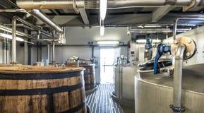 Glenbeg, Ardnamurchan Schottland - 26. Mai 2017: Ardnamurchan-Brennerei produziert Whisky seit 2014 und wirklich Lizenzfreie Stockbilder