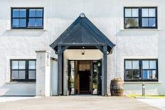Glenbeg, Ardnamurchan - Schottland - 26. Mai 2017: Ardnamurchan-Brennerei produziert Whisky seit 2014 und wirklich Lizenzfreie Stockbilder