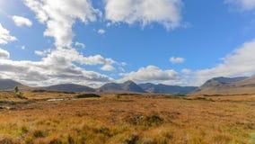 Glencoe看法从路A82在高地,秋天季节的苏格兰的 图库摄影
