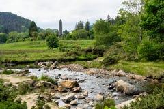 Glendalough деревня с монастырем в графстве Wicklow, Ирландии стоковая фотография