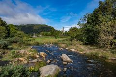 Glendalough-Dorf in Wicklow, Irland stockfotos