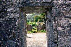 GLENDALOUGH, IRLANDA - 26 DE JULIO DE 2017: Glendalough imágenes de archivo libres de regalías