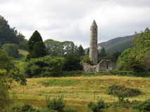 Glendalough om Toren Royalty-vrije Stock Afbeeldingen
