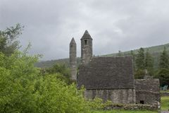 Glendalough in regenachtige dag Stock Foto's