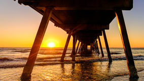 Glenelg-Strand-Anlegestelle bei Sonnenuntergang Lizenzfreie Stockfotos