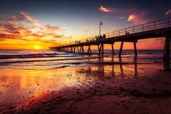 Glenelg-Strand-Anlegestelle bei Sonnenuntergang Stockbild