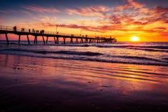 Glenelg-Strand-Anlegestelle bei Sonnenuntergang Lizenzfreie Stockfotografie