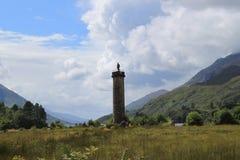 Glenfinnan纪念碑从远方 库存图片