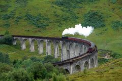 Glenfinnan Viaduct and steam train Royalty Free Stock Photography