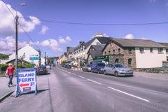 Glengarriff, Ierland - dorp van ongeveer 800 mensen op de N71 nationale secundaire weg in het Beara-Schiereiland van Cor van de P stock foto's