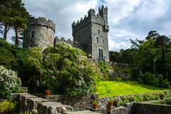 Glenveagh slott i glenveaghnationalpark arkivfoton