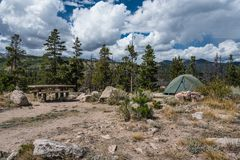 Gletscher-Becken-Campingplatz, Rocky Mountain stockfotografie