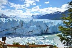 Gletscher, der in der Sonne glänzt Stockfoto