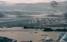 Gletscher-Lagune in Island jokulsarlon Lagune beautfiul geformte Eisberge stockfoto