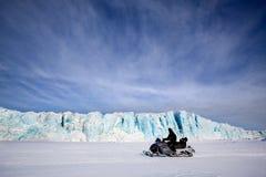 Gletscher mit Snowmobile Stockfotografie