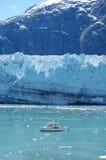 Gletscher und Boot Lizenzfreie Stockfotos