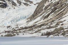 Gletscher und gefrorener See Lizenzfreies Stockbild