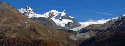 Gletscher und Hochgebirge in Zermatt Stockbilder
