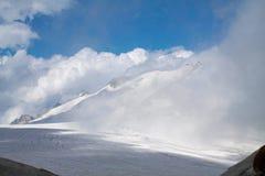 Gletscher von adamello Park auf italienischen Alpen Stockbilder
