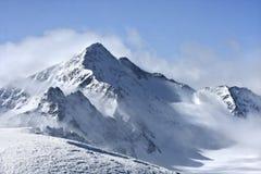 Gletschergebirgsgipfel in den Alpen Stockbilder
