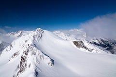 Gletschergebirgsgipfel in den Alpen Stockfotografie
