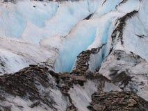 Gletscherspalte im Gletscher lizenzfreie stockfotos