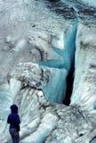 Gletscherspalte im Worthington Gletscher Stockbilder