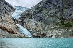 Gletsjer Briksdal, Noorwegen Natuurlijk landschap, Nationaal park Jostedalsbreen Stock Foto
