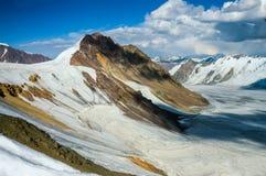 Gletsjer in de bergen Stock Afbeelding