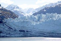 Gletsjer met bergen stock foto's