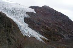 Gletsjer op Cayambe-Vulkaan Stock Foto's