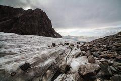 Gletsjer in Tian Shan-bergen Royalty-vrije Stock Afbeeldingen