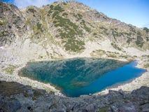 Gletsjermeer in rila nationaal park Royalty-vrije Stock Foto's