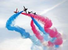 Gli aeroplani di jet rossi dell'aeronautica delle frecce RAF immagini stock