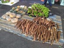 Gli agricoltori commercializzano al mercato Kuching di Satok Immagini Stock Libere da Diritti