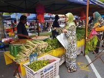 Gli agricoltori commercializzano a Paroi Jaya, Seremban, Negeri Sembilan alla Malesia Immagine Stock